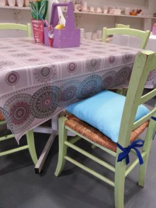 Color Cafe new table covers